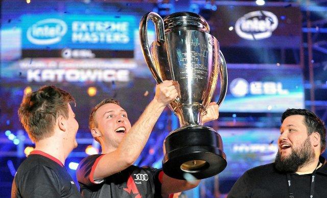 Zawody takie jak Intel Extreme Masters w Katowicach zbytnio nie różnią się od wielkich imprez sportowych.
