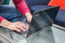 Lenovo Yoga C930 to ultrabook uniwersalny, solidny i bardzo designerski.