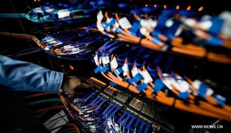 Łącza między węzłami najszybszego w 2017 r. komputera świata - chińskiego Sunway TaihuLight.
