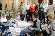 Rodzice i opiekunowie niepełnosprawnych dzieci znów, po czterech latach, protestują w Sejmie.