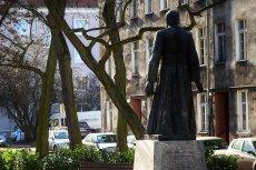 Czy pomnik ks. Henryka Jankowskiego w Gdańsku rzeczywiście chroni warta złożona z ochotników?