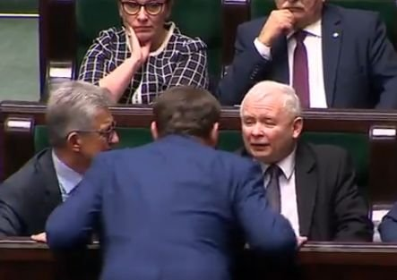 Prezes Kaczyński i poseł PiS Dominik Tarczyński.