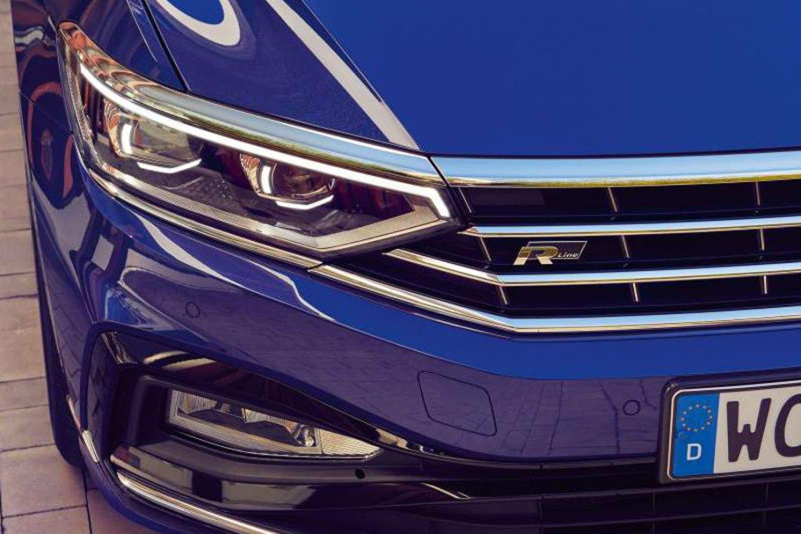 Światła w nowym Volkswagenie Passacie to technologiczna rewolucja. Tego systemu nie da się w żaden sposób porównać z tym, co znajdziecie w starszych autach.