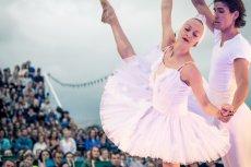 """""""Balet nad Wisłą"""" gromadzi tłumy. To wyjątkowe, wzruszające widowisko"""