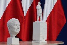 Budowa pomnika Lecha Kaczyńskiego w Warszawie nie idzie tak, jak chcieliby tego posłowie PiS.