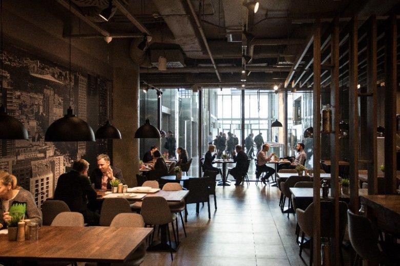 Godziny otwarcia lokali często zależą od liczby gości