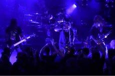 Zespół Decapitated to polska grupa deathmetalowa, która istnieje od 1996 r. Polka oskarża muzyków zespołu o gwałt.