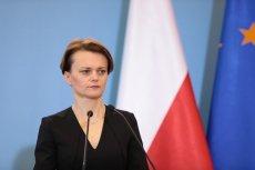 Minister Jadwiga Emilewicz wyjawiła, na co można wydać bony wakacyjne