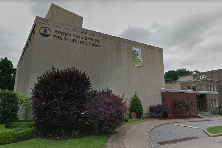 Pod synagogą Kongregacji Drzewo Życia w Pittsburgu doszło w sobotę do strzelaniny. Zginęło 10 osób.