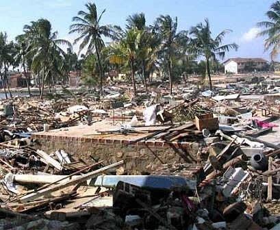 Tsunami w grudniu 2004 roku pochłonęło ćwierć miliona ofiar w Indonezjii, na Sri Lance, w Indiach i Tajlandii.