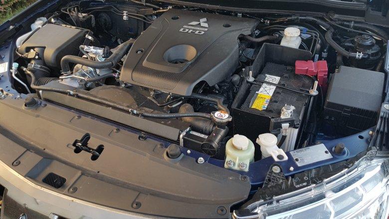 L200 napędza potężny silnik diesla, który powinien wyciągnąć samochód z niejednego błota. Na zamówienie można sobie zamówić dodatkową wyciągarkę.
