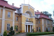 Paweł Kukiz zakpił z gminy Tworóg w województwie śląskim, że organizuje obchody 11 listopada, 13 listopada.