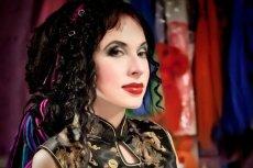 Sofi Oksanen to wielokrotnie nagradzana pisarka, której książki były tłumaczone na ponad pięćdziesiąt języków.