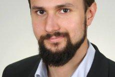 Mikołaj Sinica jest lekarzem stażystą. Podkreśla, że słów doktora Bukiela o Krystynie Jandzie i Czarnym Proteście nie należy utożsamiać ze stanowiskiem protestujących medyków.