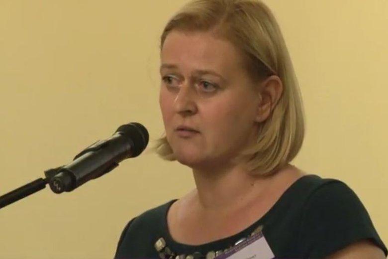 Okazuje się, że nie tylko wymiana wiceprezesów Sądu Okręgowego w Warszawie jest kontrowersyjna. Zagadkowa jest też znajomość nowej prezes Sądu z wiceministrem sprawiedliwości.