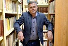 """W najnowszym """"Newsweeku"""" Paweł Reszka rozmawia o buncie młodzieży z nauczycielem historii, dr. Adamem Duszykiem z Radomia."""