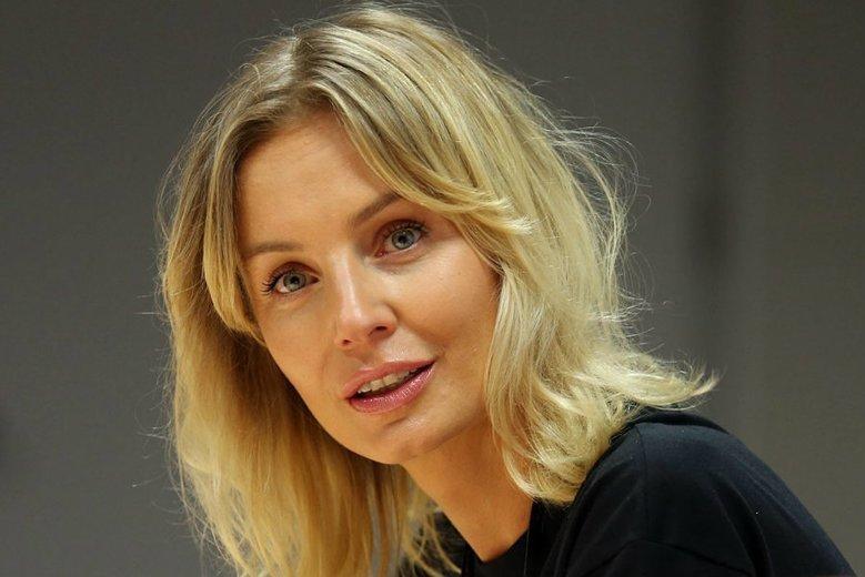Agnieszka Woźniak-Starak znowu komentuje wpisy fanów na Instagramie.