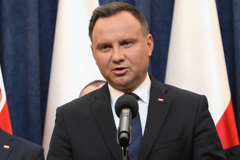 """Andrzej Duda miał wymusić zmiany w TVP. To mogła być """"pokerowa zagrywka""""."""