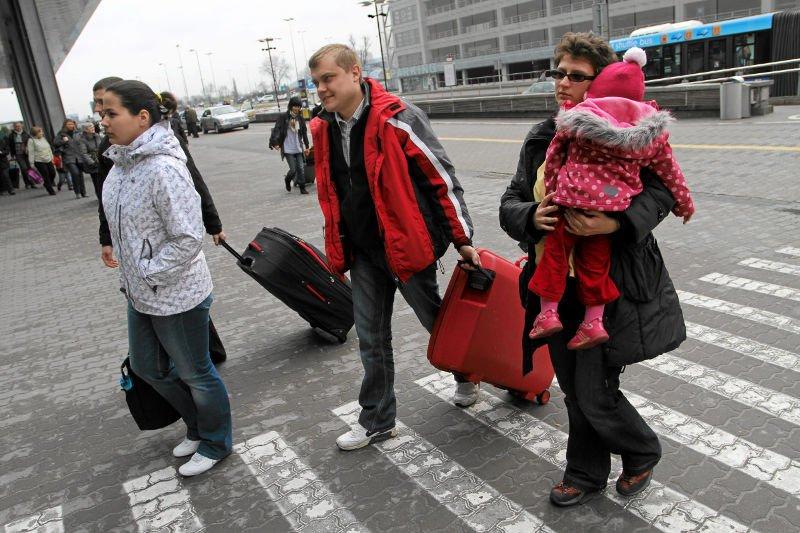 Emigracja stwarza duże perspektywy, ale nakłada też dodatkowe obowiązki, zwłaszcza związane z wychowywaniem dzieci w obcym dla nich środowisku