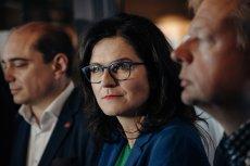Prezydent Gdańska Aleksandra Dulkiewicz poinformowała na konferencji prasowej, że rząd PiS obciął dotację dla Europejskiego Centrum Solidarności.