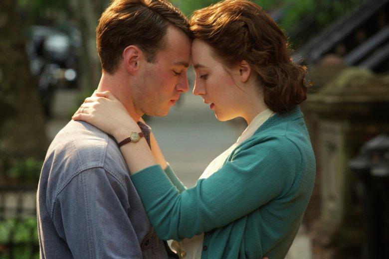 """Najsłynniejsza powieść irlandzkiego pisarza """"Brooklyn"""" (2009) doczekała się ekranizacji, która odniosła artystyczny sukces i była nominowana do 3 Oscarów"""