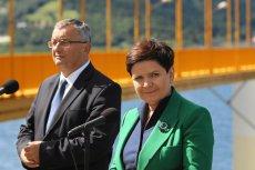 Premier Beata Szydło próbowała przypisać wszystkie zasługi za budowę zbiornika w Świnnej Porębie rządowi PiS. Internet szybko odkrył prawdę.