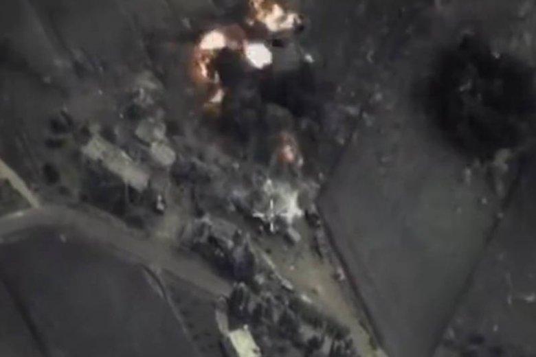 Rosjanie bombardują Syrię.