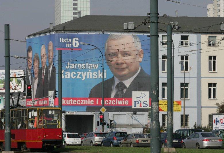 Czyj plakat wyborczy mógłby się pojawić na dawnych budynkach Expressu Wieczornego?