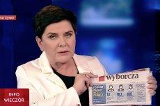 """Beata Szydło przyniosła do studia TVP """"Gazetę Wyborczą"""". Pokazała okładkę dziennika, na której w negatywnym kontekście przedstawiono podwyżki dla nauczycieli. Była premier uznała to za przejaw stosunku Koalicji Europejskiej do Polek i Polaków."""