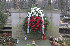 Wieniec na grobie zabójcy Gabriela Narutowicza, Eligiusza Niewiadomskiego.