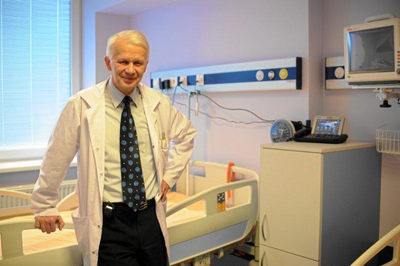 Prof. Wiesław Jędrzejczak uważa, że odebranie chorym terapii może być niezgodne z prawem