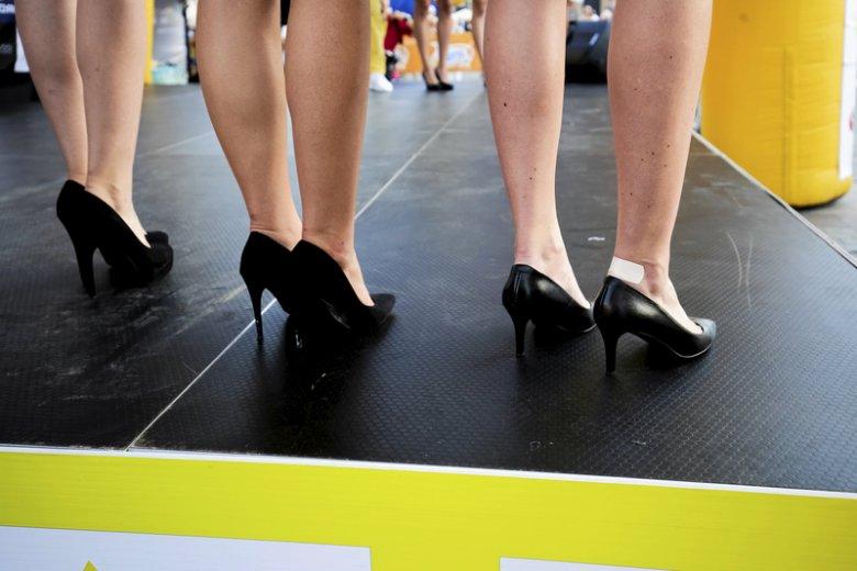 Kobiety w Japonii mają dość przymusu chodzenia w wysokich obcasach w miejscu pracy. Przygotowały petycję do rządu (zdjęcie ilustracyjne).