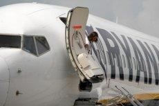 Pijany 29-latek awanturował się i palił papierosy na pokładzie samolotu linii Ryanair.