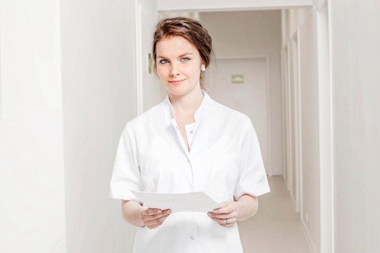 Joanna Białczak jest certyfikowanym dietetykiem klinicznym pracującym na codzień z pacjentami z autyzmem czy ubytkiem słuchu. Póki co oszczędza, korzystając z oprocentowanego konta