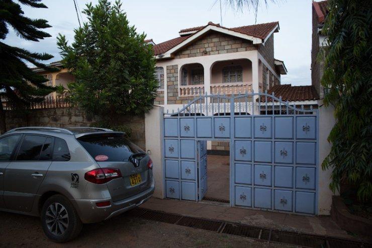 Prócz domu rodzina Kimathi posiada też własne pole uprawne.