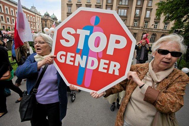 Konwencja porusza kwestie płci kulturowej czyli popularnego gender.