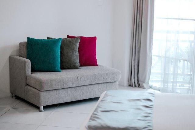 Poszukaj nowego miejsca dla sofy – odmienisz mieszkanie i wyćwiczysz muskuły