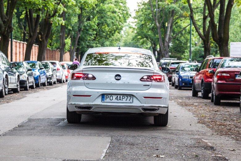 Volkswagen Arteon w najmocniejszej wersji silnikowej ma 280 koni mechanicznych.