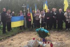 W kwietniu rozebrano pomnik ku czci UPA w Hruszowicach. Do dziś Ukraina domaga się jego budowy.