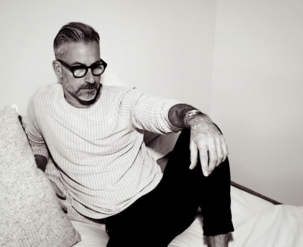 Garrett Swann jest 47-letnim amerykańskim aktorem telewizyjnym, po 40.roku życia zaczął pracować również jako model