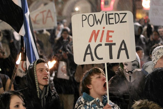 Przed trzema laty próba ingerencji w swobodę korzystania z internetu wywołała falę protestów.