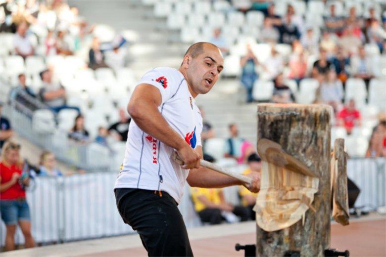 Michał Dubicki będzie reprezentował Polskę na międzynarodowych zawodach drwali w Marsylii. Opowiada naTemat o tym sporcie, jego zasadach i kosztach.