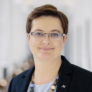Wiceprzewodnicząca Nowoczesnej i posłanka w Sejmie VIII kadencji, wiceprzewodnicząca sejmowej Komisji Edukacji, Nauki i Młodzieży. Dr matematyki na Uniwersytecie Łódzkim.