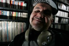Hirek Wrona - zawodowo wielki znawca muzyki, prywatnie sympatyk sportu