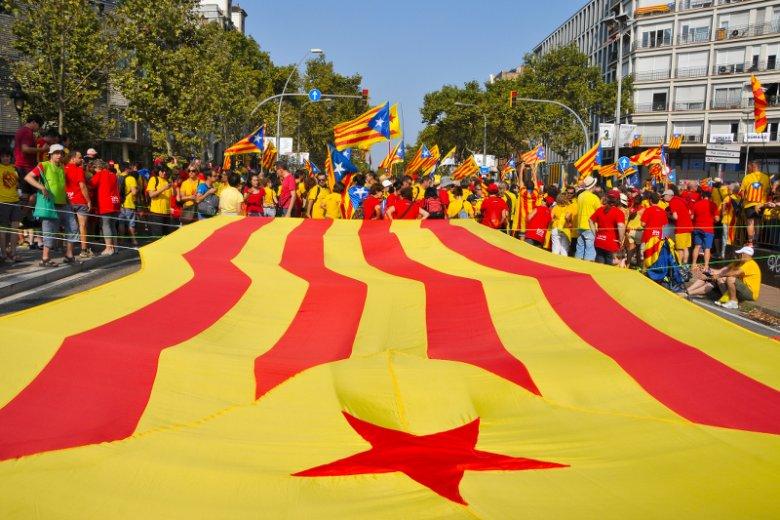 Kataloński parlament przyjął rezolucję mówiącą o rozpoczęciu procesu tworzącego niezależne państwo.