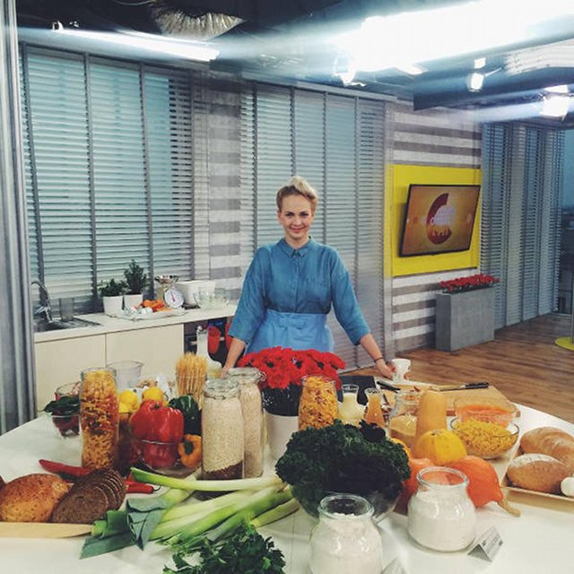 Marta Dymek w studio TVN...