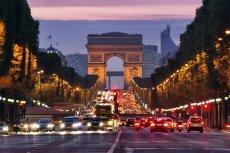 Kuriozalne tło miał akt przemocy, do którego doszło w niedzielę w podparyskim Seine-Saint-Denis.