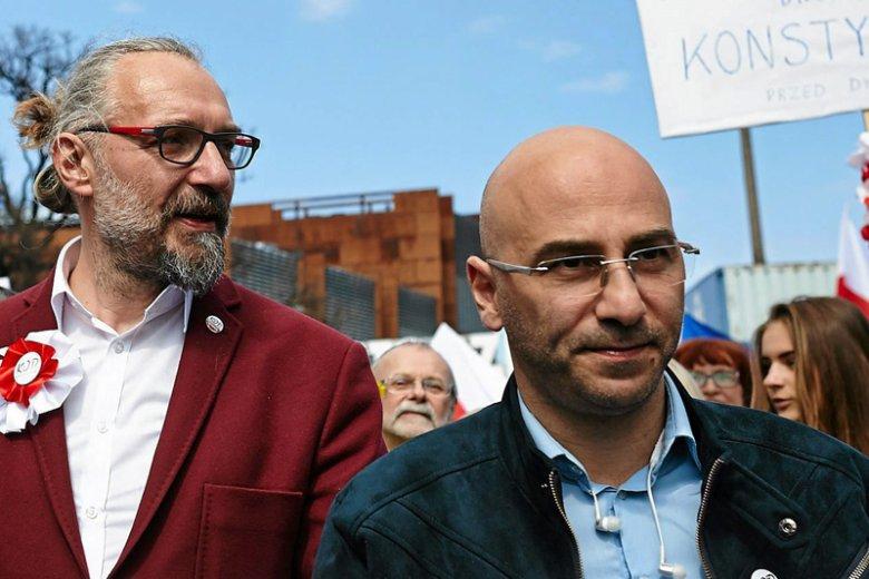 Szef pomorskiego KOD Radomir Szumełda ujawnia, że Mateusz Kijowski mógł otrzymywać pensję za kierowanie organizacją.
