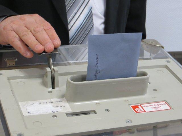 Urna wyborcza, 30 marca 2014, Reims