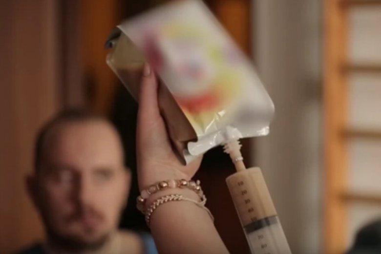 Chorzy po udarze mózgu mogą być niedożywieni. To zagraża ich życiu i utrudnia leczenie.